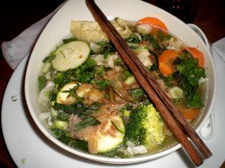 Dann Sind Sie Bei Monsieur Voung Richtig Aufgehoben. Hier Wird Ihnen  Erstklassige Vietnamesische Küche Geboten Zu Fairen Preisen.
