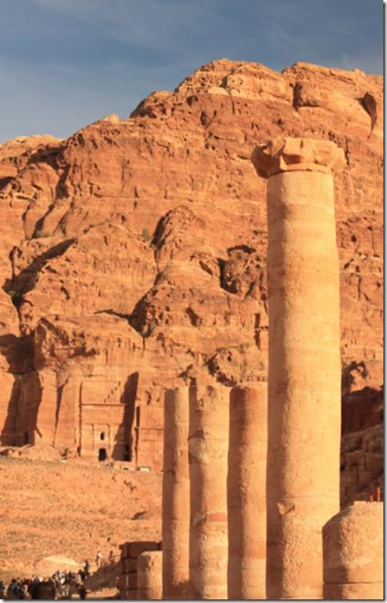 Petra med greske søyler